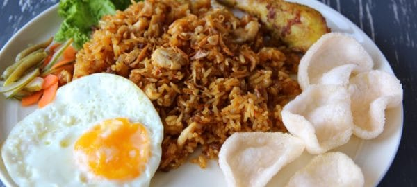 nasi goreng plat traditionnel bali indonesie